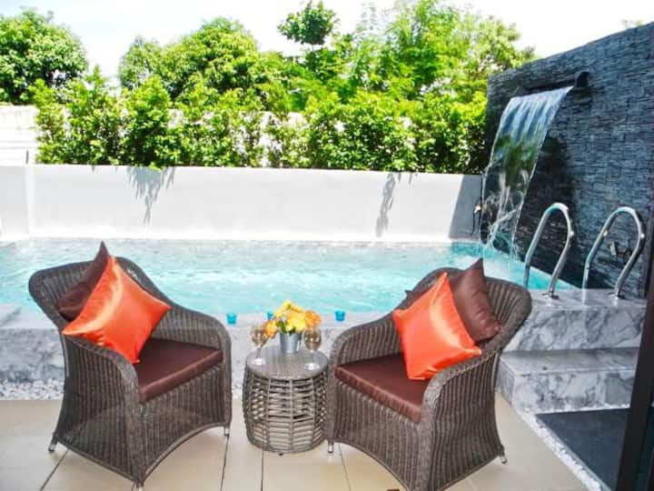 New and Very Comfortable Villa in Chalong