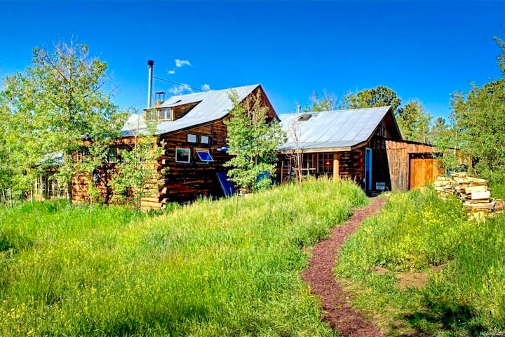 Redtail Retreat - Main House - Get off the Grid!