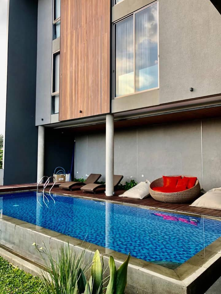 The Arunika Villa At Setiabudhi With Private Pool