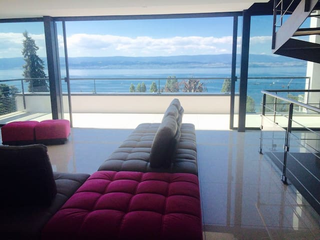 Beautiful new house of 260 m2 modern luxury*****