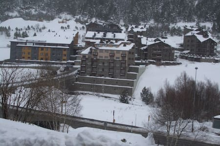 First Line Mountain View Self-Catering Apartment - Canillo