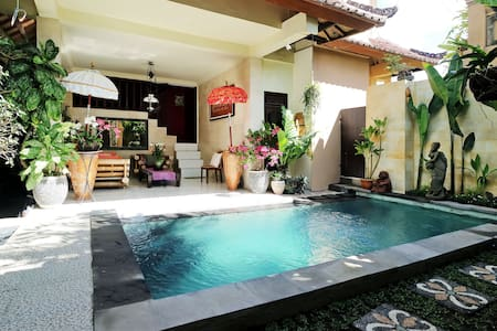 Rumah Agung 2BR House with private pool - Ubud