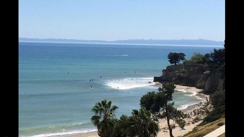 A BEAUTIFUL OCEAN VIEW 3 BR NEXT TO BEACH & HARBOR
