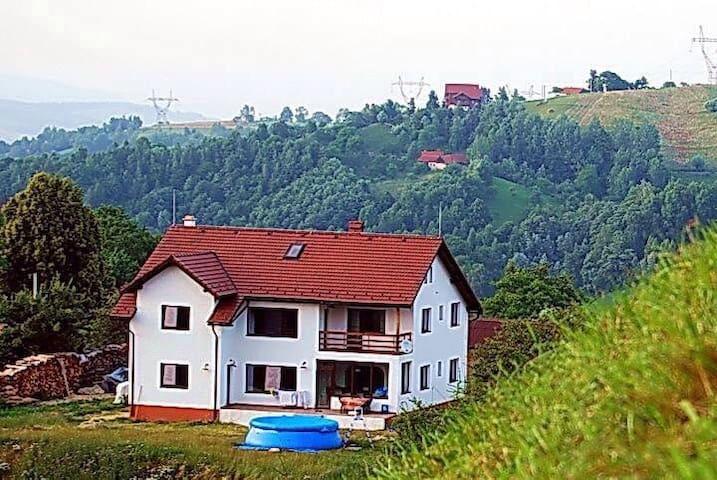 Beautiful house near Dracula's Castle - Bran - Casa