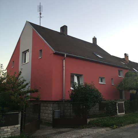 Dům v blízkosti Prahy - Lány