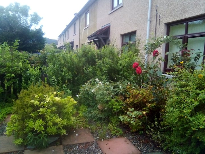 Peaceful Terraced house close to centre Inverness