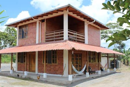 Finca Escobar, Amazon Paradise