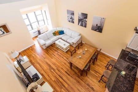 Spacious Two-Bedroom near Beach - Long Beach - Apartment