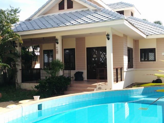 4. Pool Villa, 6-8 pers, 6 m pool - หัวหิน - บ้าน