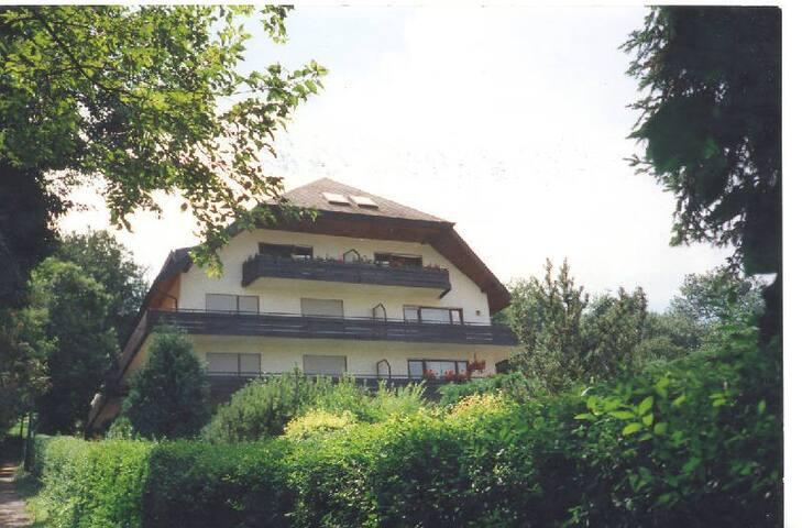 Fewo Hochblauen & Vogesen Markgraf & Markgräfin, (Badenweiler), Vogesen mit Lift, 67qm, 1 Schlafzimmer, max. 4 Personen
