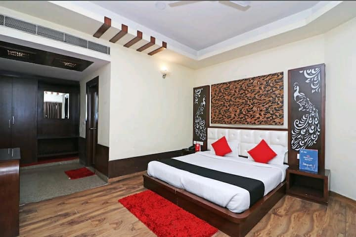 Private Room/ Bathroom - Comfort for Long stays