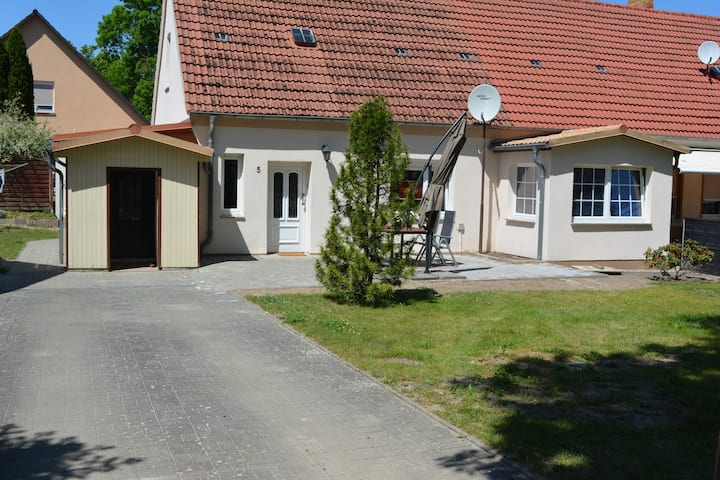 """Ferienhaus """"Hütchen"""""""