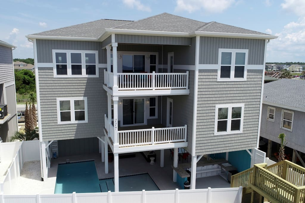 Endless Summer, Holden Beach Oceanfront With Pool, Tiki