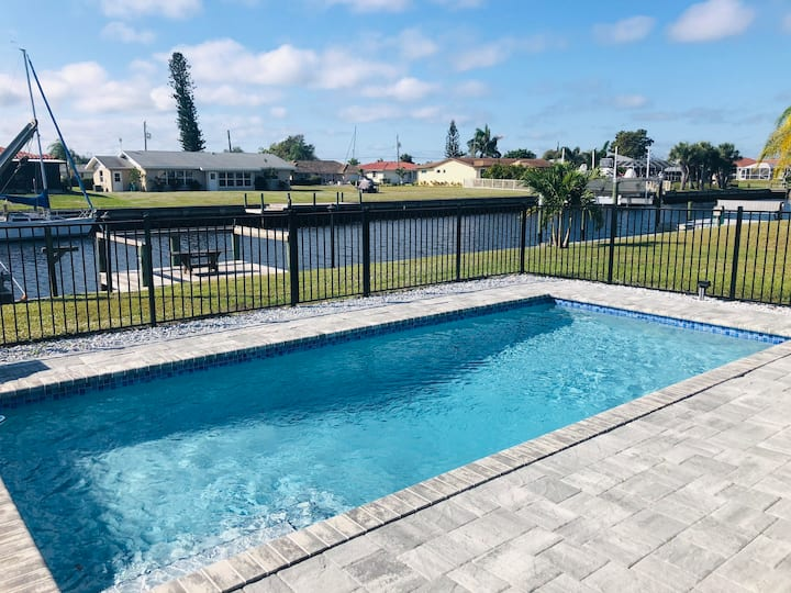 Gorgeous 2 bed, 2 bath, canal home with pool