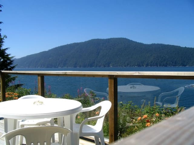 Mile Beach Cottage - Where the River Meets the Sea - Port Renfrew