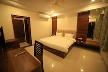 Well equipped room at a central location