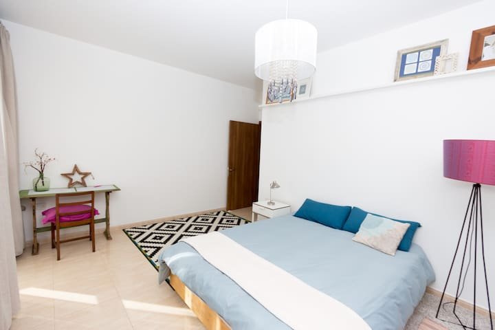 Penthouse near Blue Grotto for adventure seekers - Il-Qrendi
