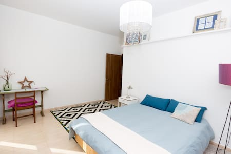 Penthouse near Blue Grotto for adventure seekers - Il-Qrendi - Apartamento