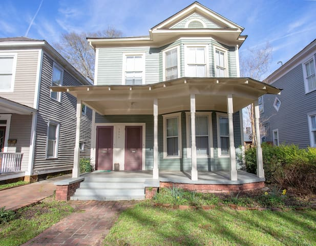 Charming Historic Downtown Duplex (Private)