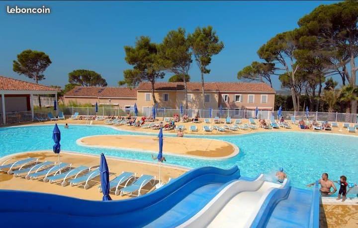 Maisonnette au calme + piscine chauffée