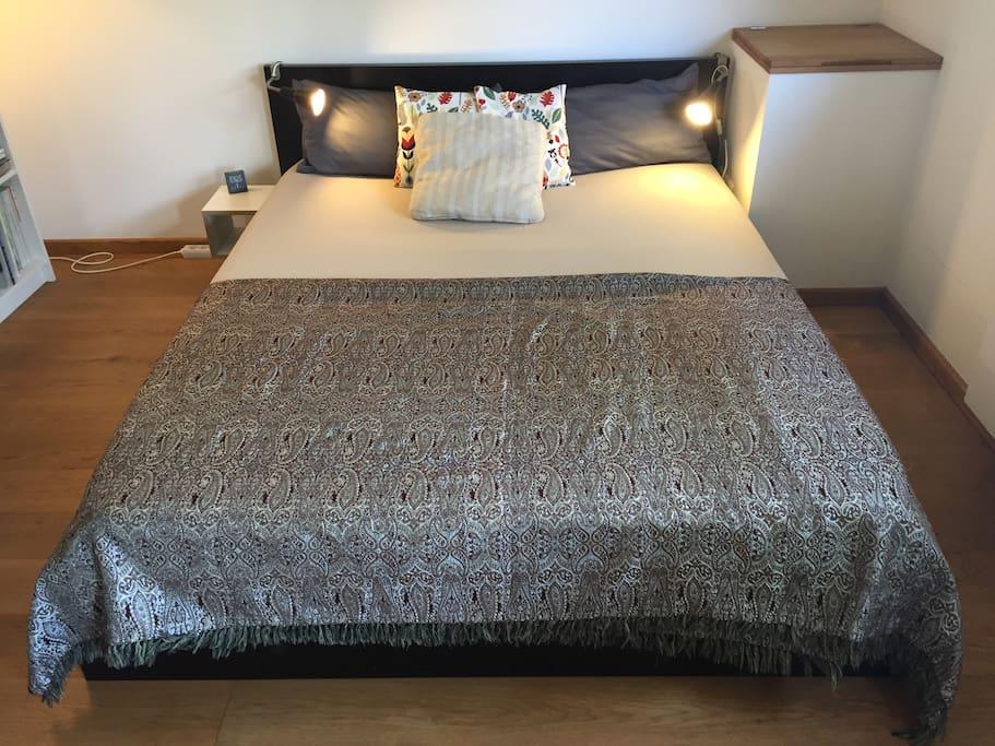 NEU Bequemes Doppelbett - 1,60 breit (Queen Size)