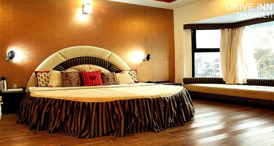 drive inn hotel dhanolti - Uttarakhand - Byt