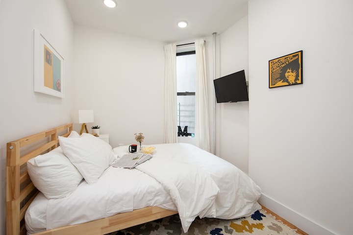 Artsy private BR in Harlem 350 Lenox Ave 4S-2