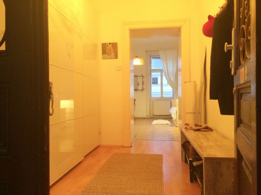welcome  (wardrobe/closet)