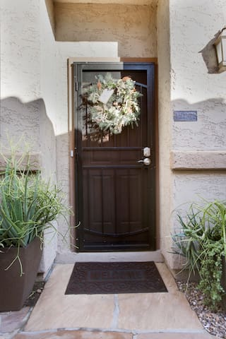 Private entrance & smart lock for ease of entry.