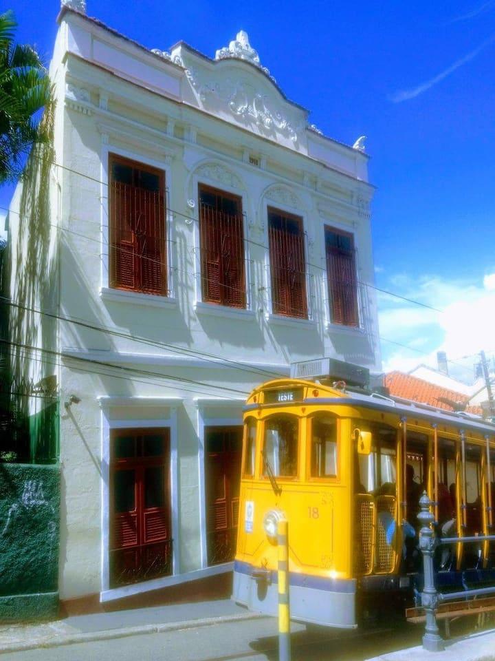 Colonial House - in the heart of Santa Teresa!