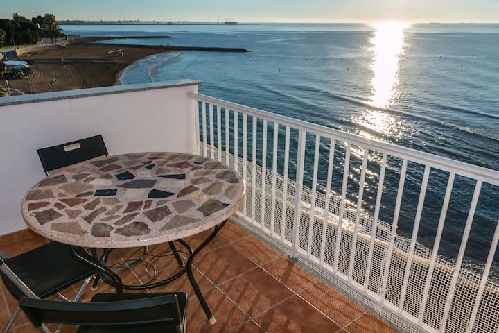 Apartamento en primera línea de mar