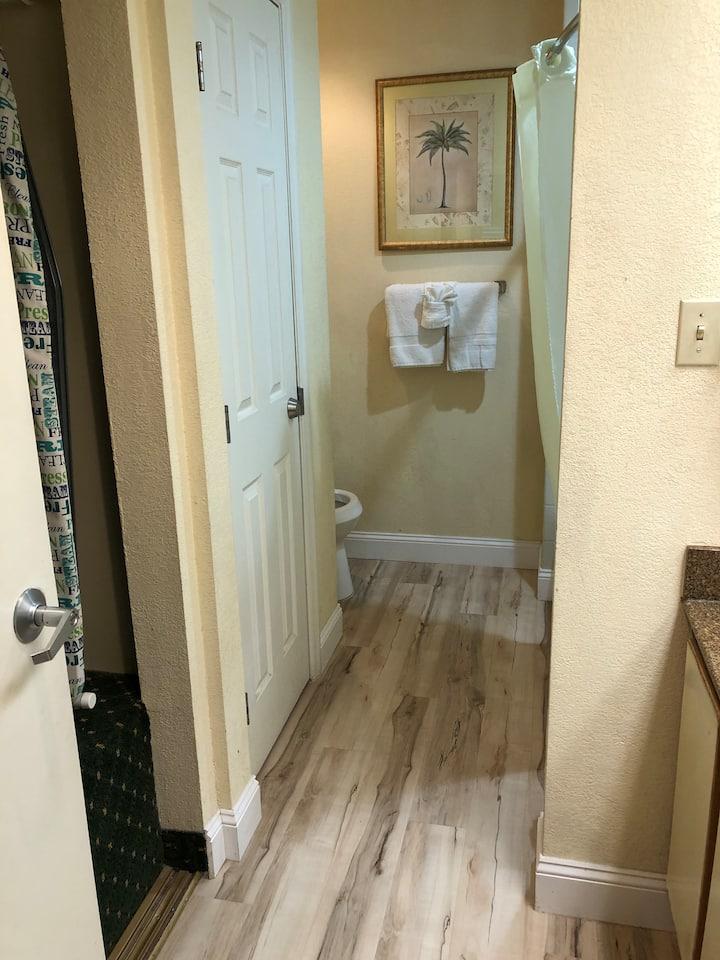 Affordable Getaway Near Disney #02224