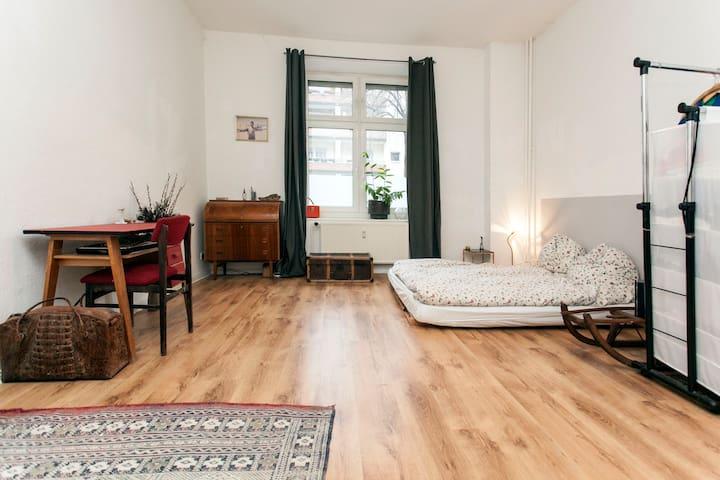 Cosy studio in Weserstr. - Berlim