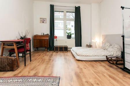 Cosy studio in Weserstr. - Berlijn