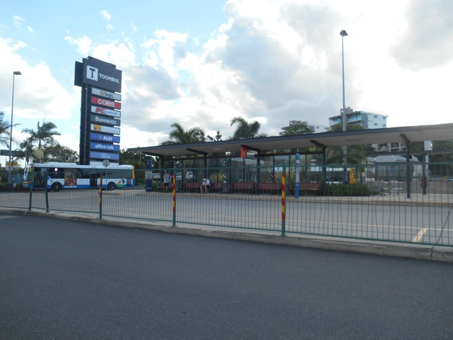 5 minutes walk to Toombul shopping centre, bus and train