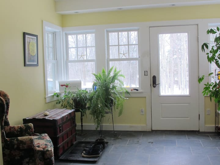 The Apt on Ferncliff (15% off monthly stays)