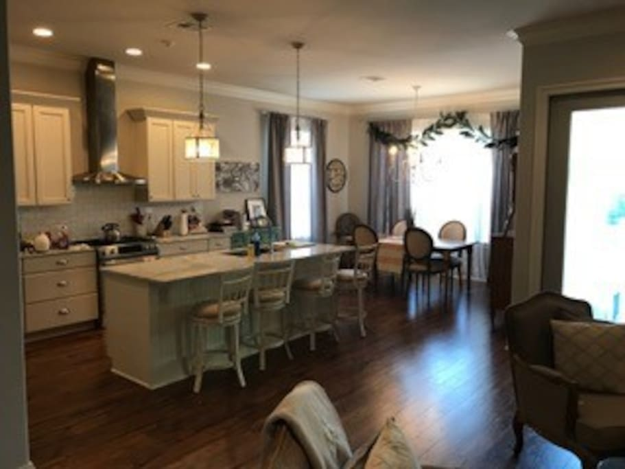 Kitchen/Dining