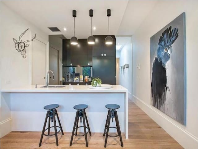 Designer Renovated Townhouse metres from Chapel St - South Yarra - Dom