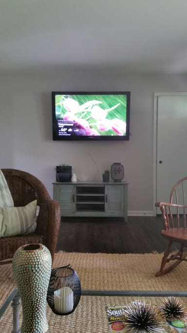 "50"" Flat screen with Xfinity voice remote"