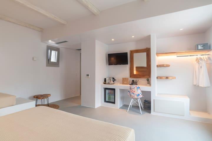 Paros Comfy - Triple Suite