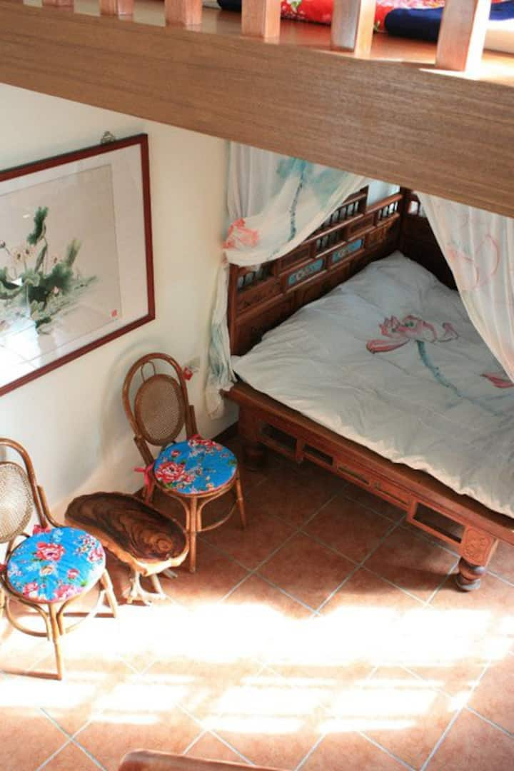 Grandma's Old Wooden Bed Room, Wisdom Garden, Yuli