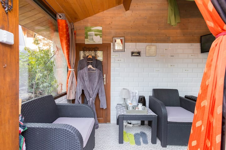 Petite chambre calme, SPA privatif en supplément