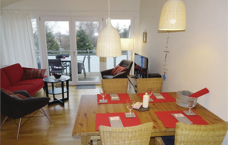 Holiday apartment with 2 bedrooms on 54 m² in Büsum OT Warwerort
