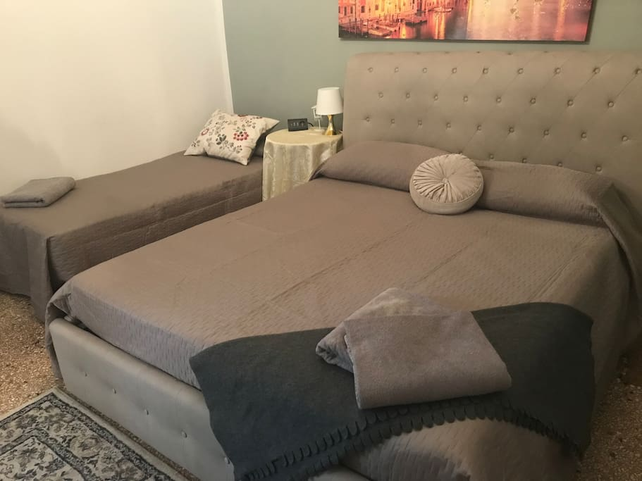 Traveling with child or friend :)  3rd bed is available