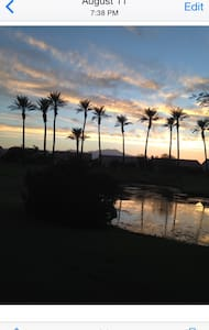 Chic Guest Quarters w/ private door - Palm Desert - Bed & Breakfast