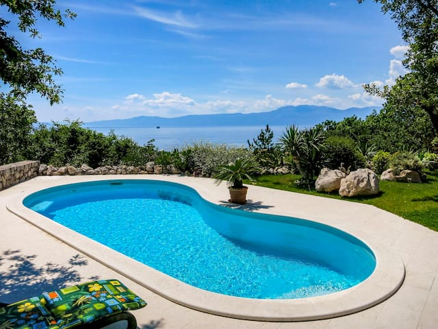 Holiday home Anamia with amazing views on Adriatic