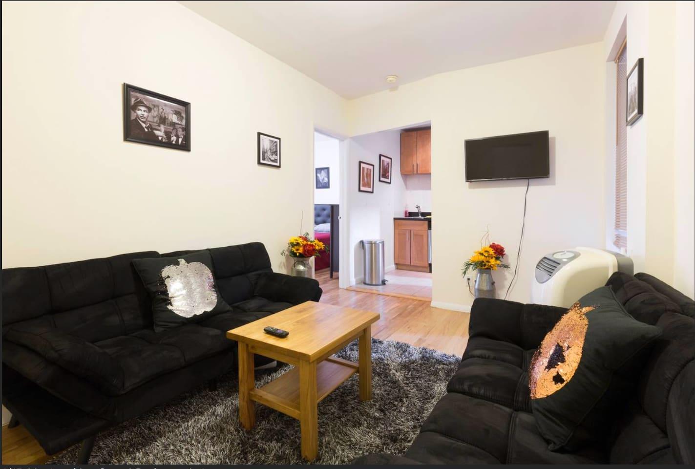 Comfortable 2 bedroom Condo (Chelsea)