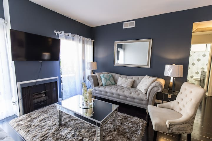 UPSCALE 2BED 2BATH 2 FREE GATED PARKING OF SUNSET - Los Angeles - Appartement