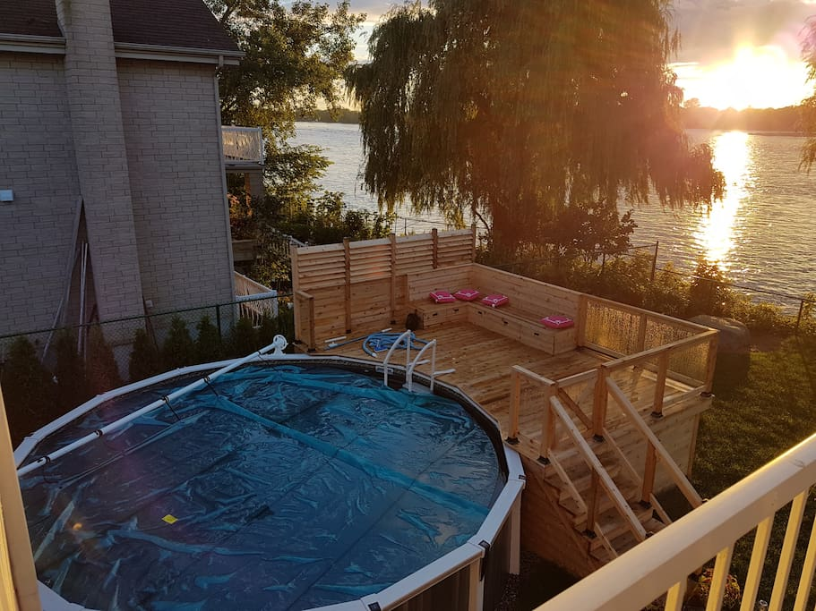 Piscine au sel accessible avec un superbe patio.