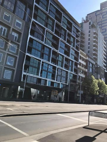 Spacious 1 bedroom near AC/DC lane - Melbourne - Apartment